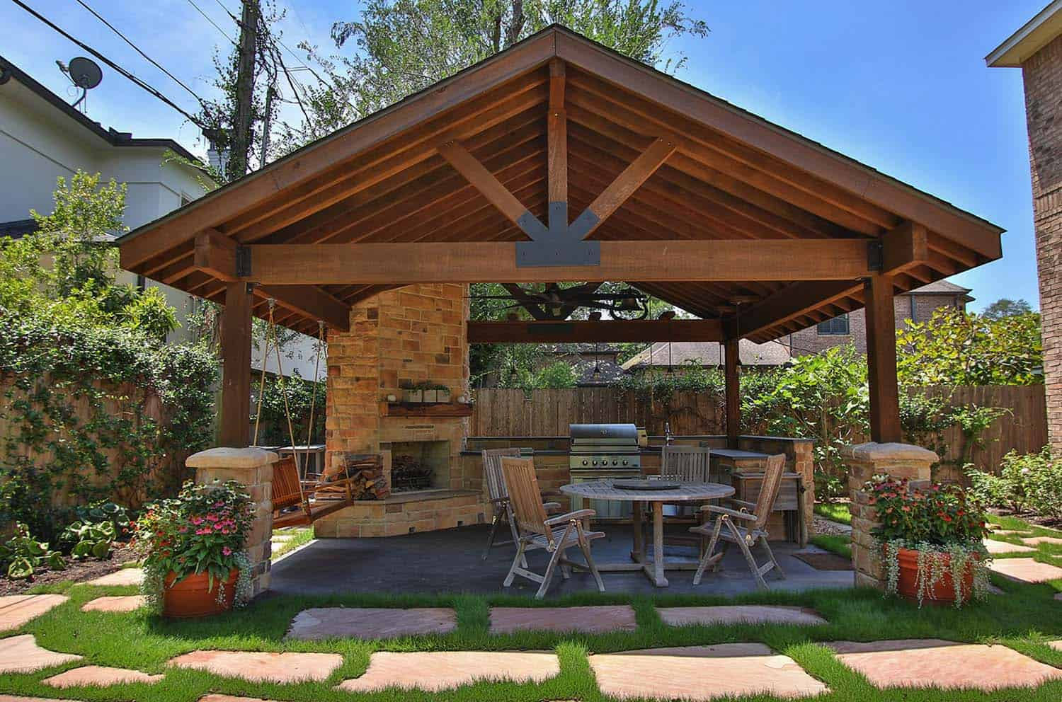 Beautify Your Exterior Of Home With Outdoor Living Space on Outdoor Living Buildings id=48027