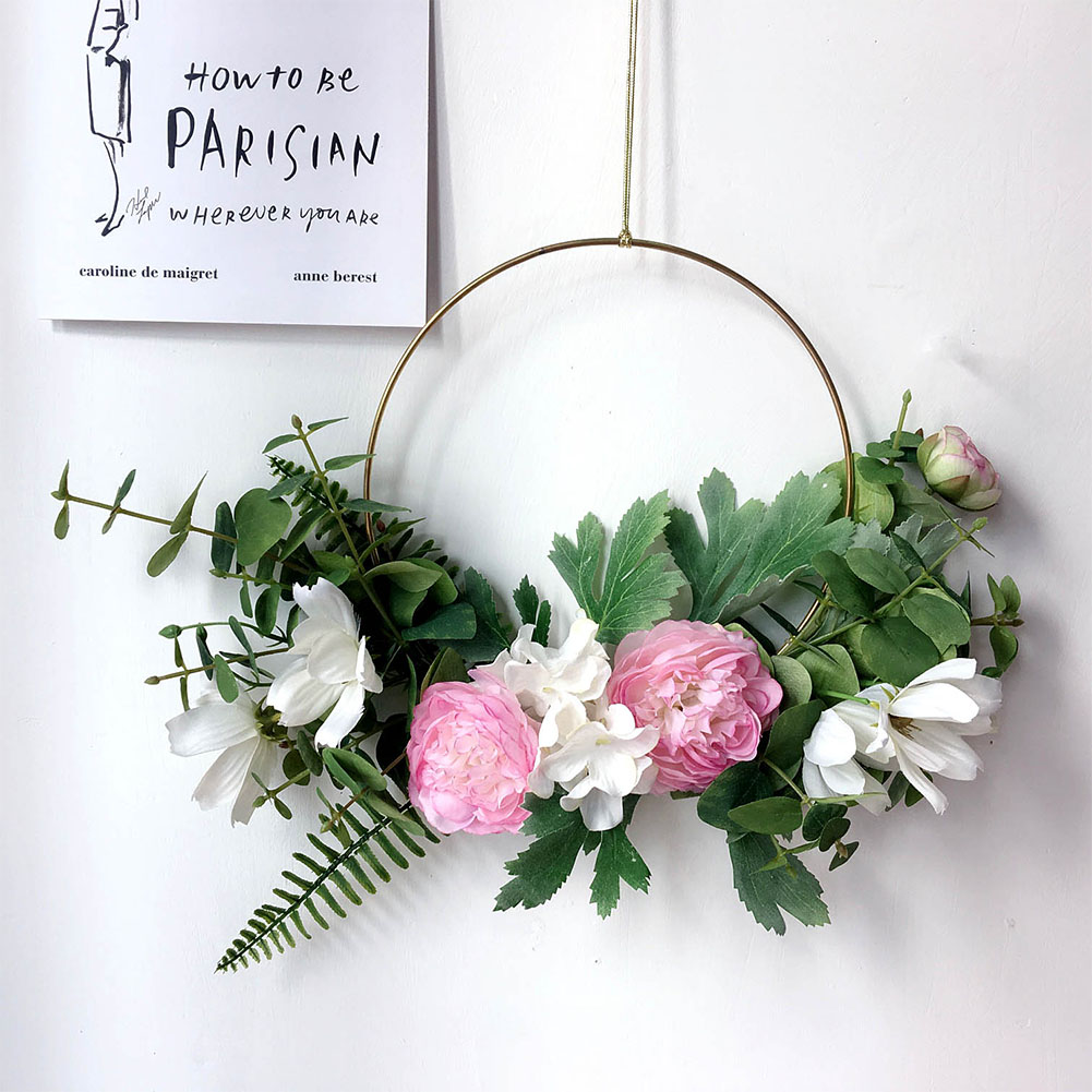 Hanging wreath for living room