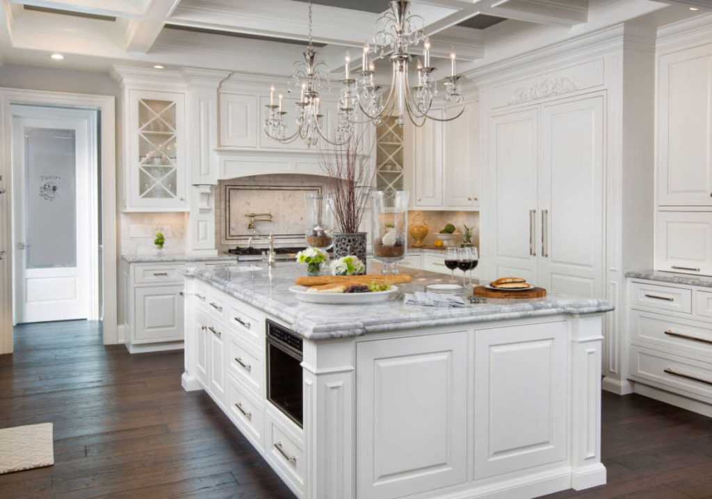 Embrace The White Kitchen Cabinets With These Simple Ideas