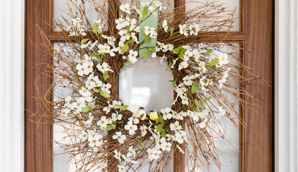 19 Outdoor Easter Decorations To Glam Up Your Festivities