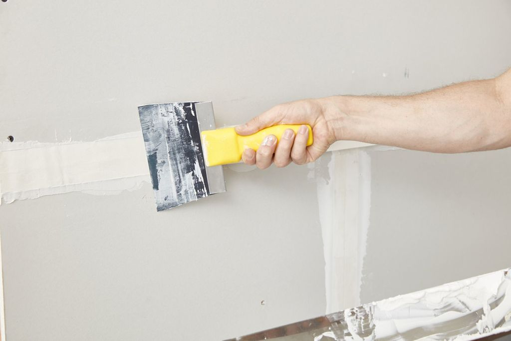 How to Tape Drywall – Tricks and Tips