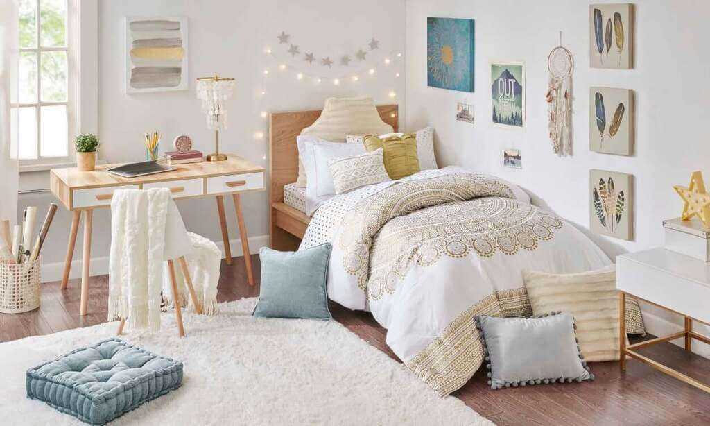 Fundamental Décor Ideas That Will Make Your Dorm Room Feel Like Home