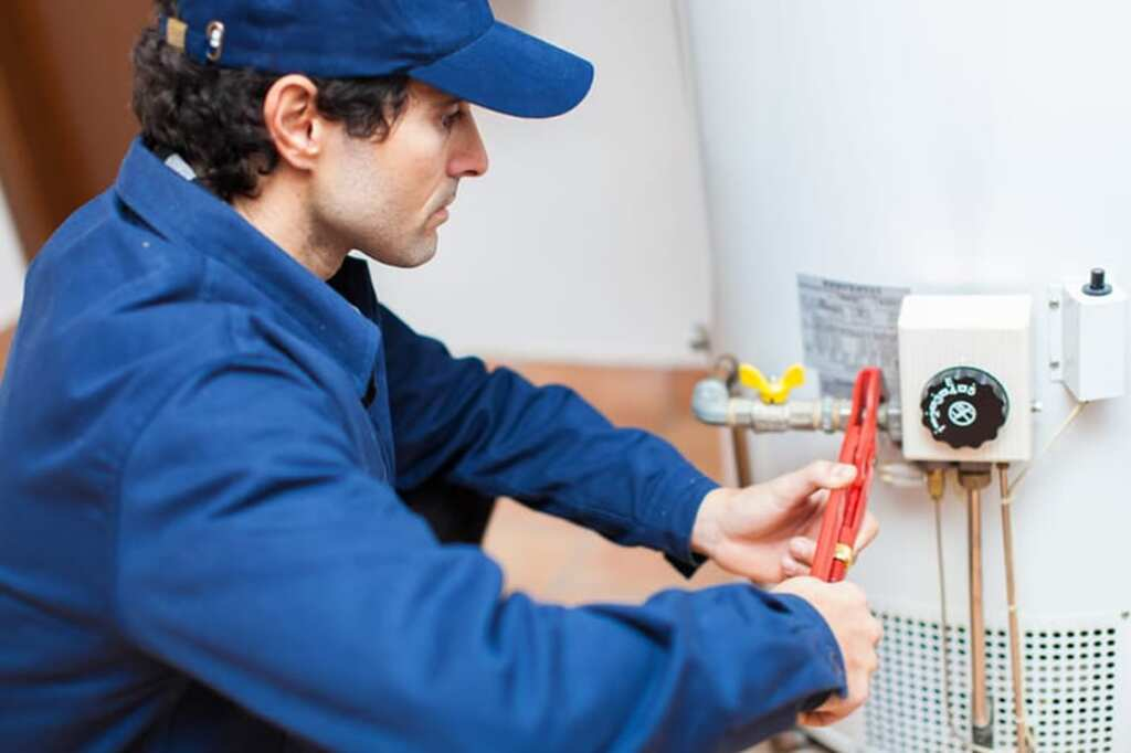 Tricks for Managing the Nuisance of Water Heater Leaking