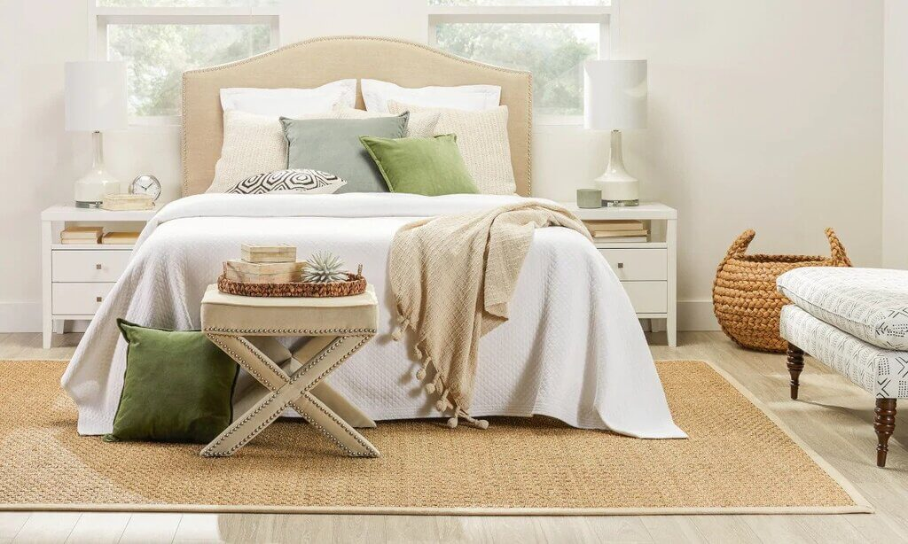 Rug Size for Queen Bed: Tips and Ideas to Find the Right One